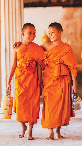 Croisiere au coeur de la Birmanie, moines