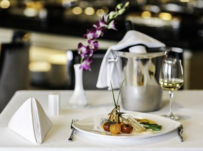 croisiere de luxe, restaurant yangzi explorer