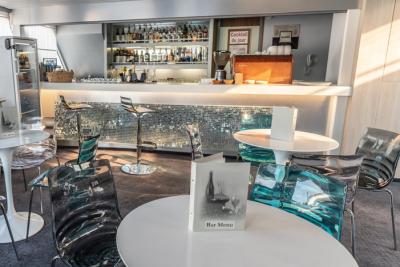 Bateau de croisière Tchekhov bar