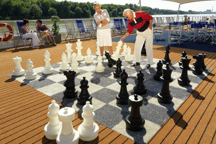 Croisière Au fil du Danube - Jouer aux échecs sur le pont soleil du Amadeus Elegant